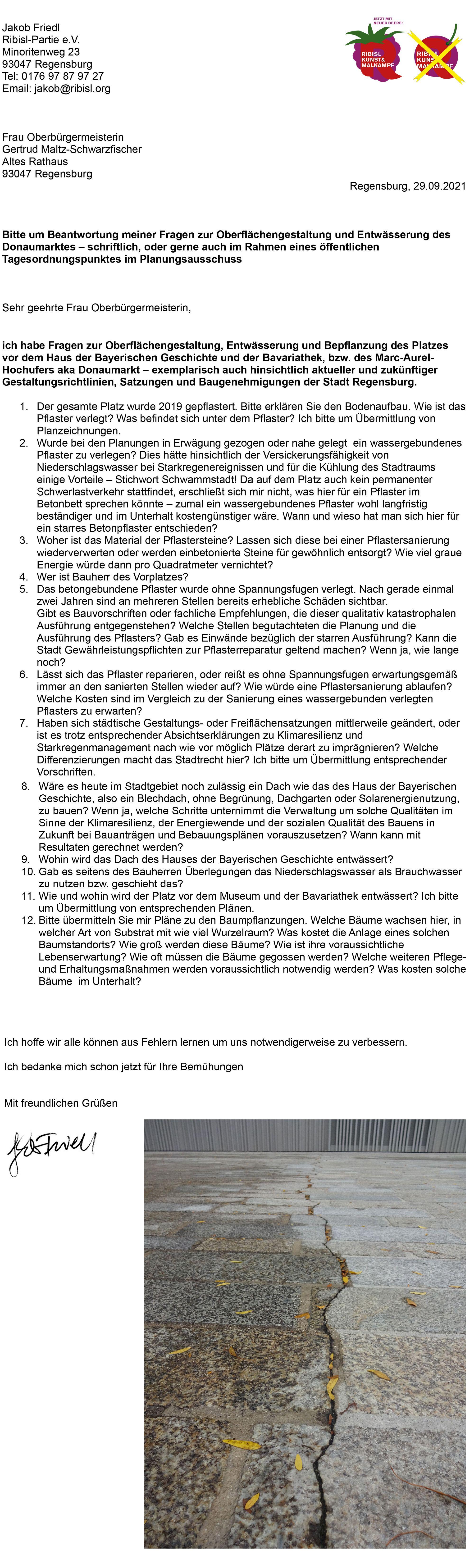 Haus der Bayern,  Museum der Bayerischen Geschichte,  Betonpflaster, Schwammstadt Regensburg, Klimaresilienz Regensburg, Niederschlagswasser, Starkregenmanagement Regensburg, wassersensibel bauen regensburg